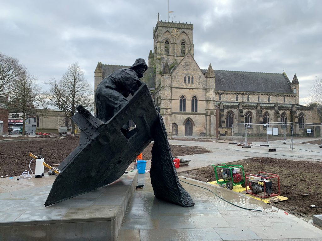 Fishermens Memorial Statue in place in St James Square outside Grimsby Minster