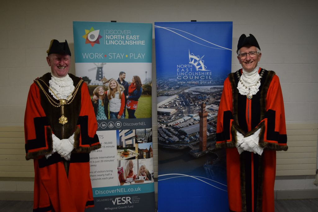 Mayor, Councillor David Hasthorpe (left), and Deputy Mayor, Councillor Steve Beasant (right) pose for a photo