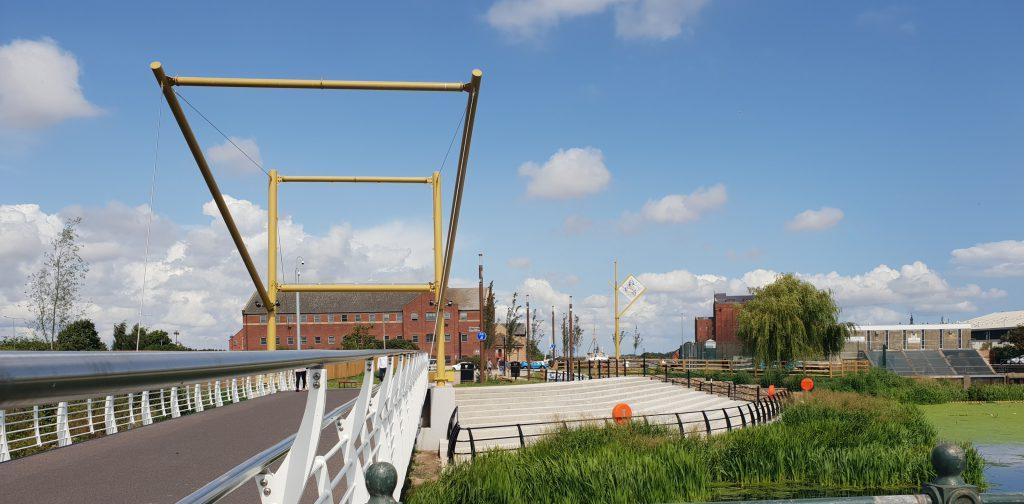 A photo of Garth Lane footbridge and seating area